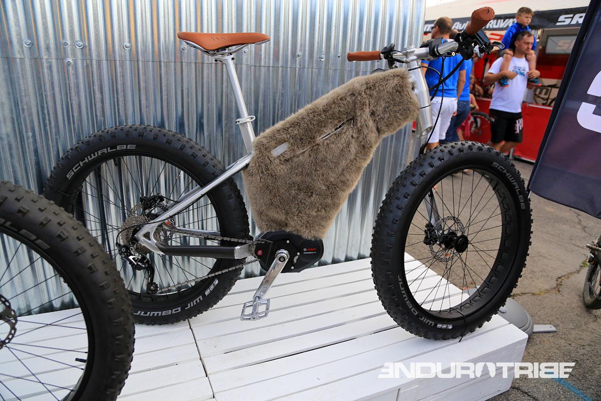 Connu Roc d'Azur : Du Fat Bike et du VTTAE de compète chez Moustache QN88