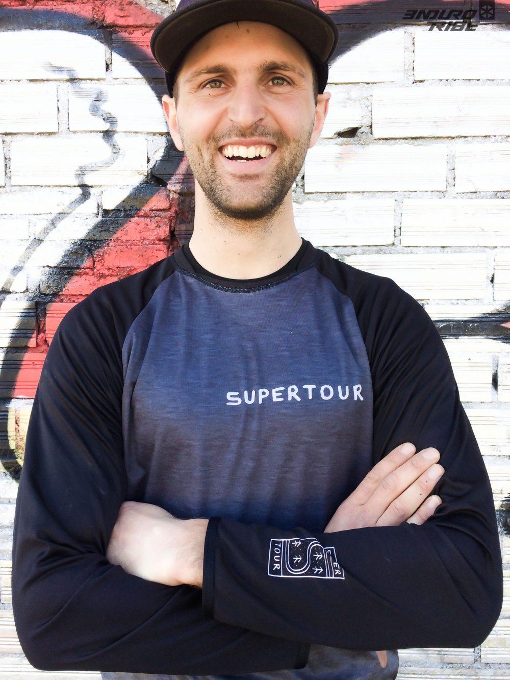 Expérience aussi avec Paul Gayral, dont on présentait il y a peu l'activité Enduro Session dans le secteur de Millau. 4eme de la Coupe de France en 2018, c'est l'autre pourvoyeur de gros points du Team Pivot SuperTour.